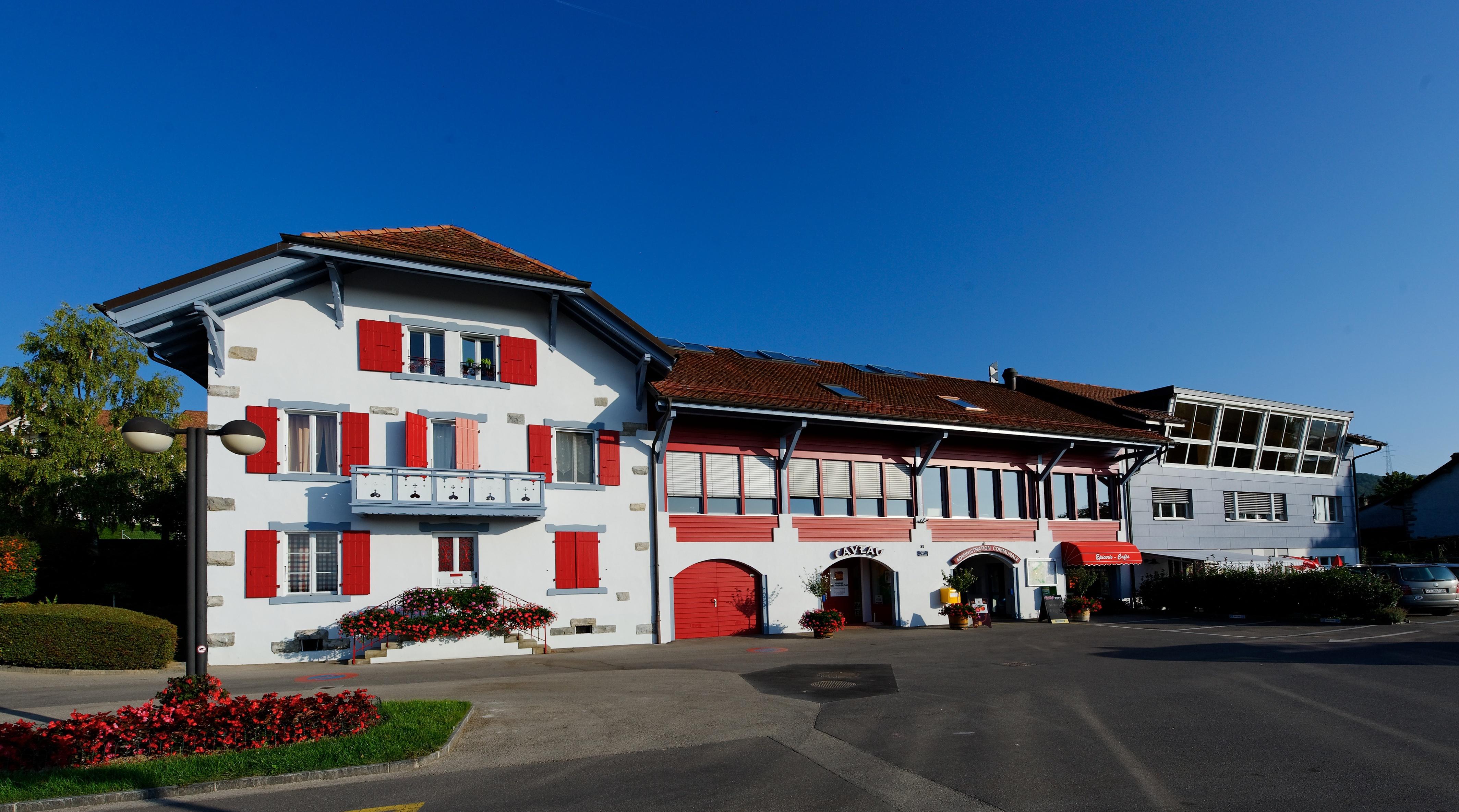 Le bâtiment communal de Luins. © Antonio Porreca